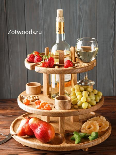 Ярусная менажница под бутылку вина и бокалы из дуба